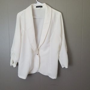 Fashion to Figure light weight blazer size 1x